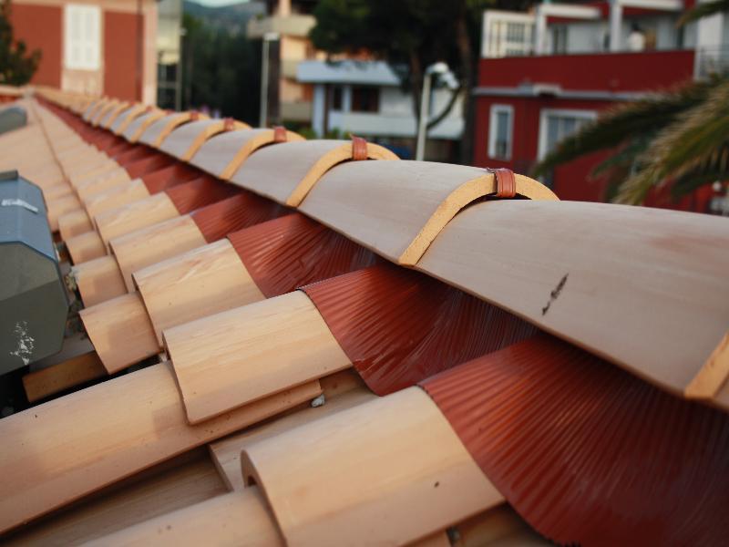 Realizzazioni roma e viterbo for Montaggio tetto in legno ventilato