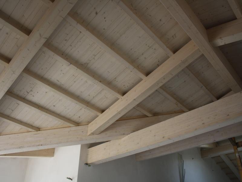 Realizzazioni roma e viterbo - Tetto in legno bianco ...