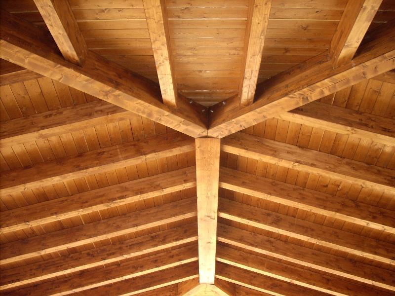 Gazebo quattro falde con staffe speciali for Inquadratura del tetto del padiglione