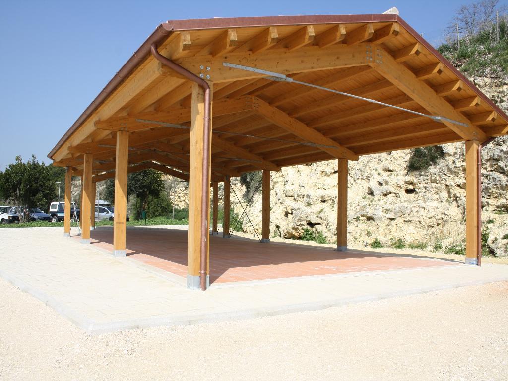 Grandi coperture in legno per grandi strutture for Lamellare prezzi